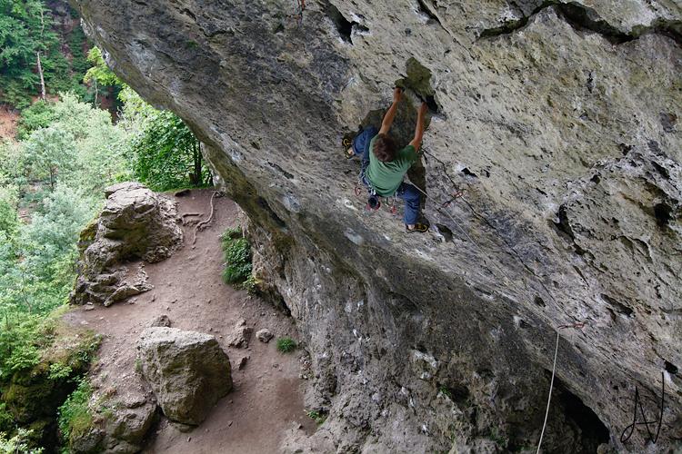 Frankenjura climbing Diebesloch Foto photo